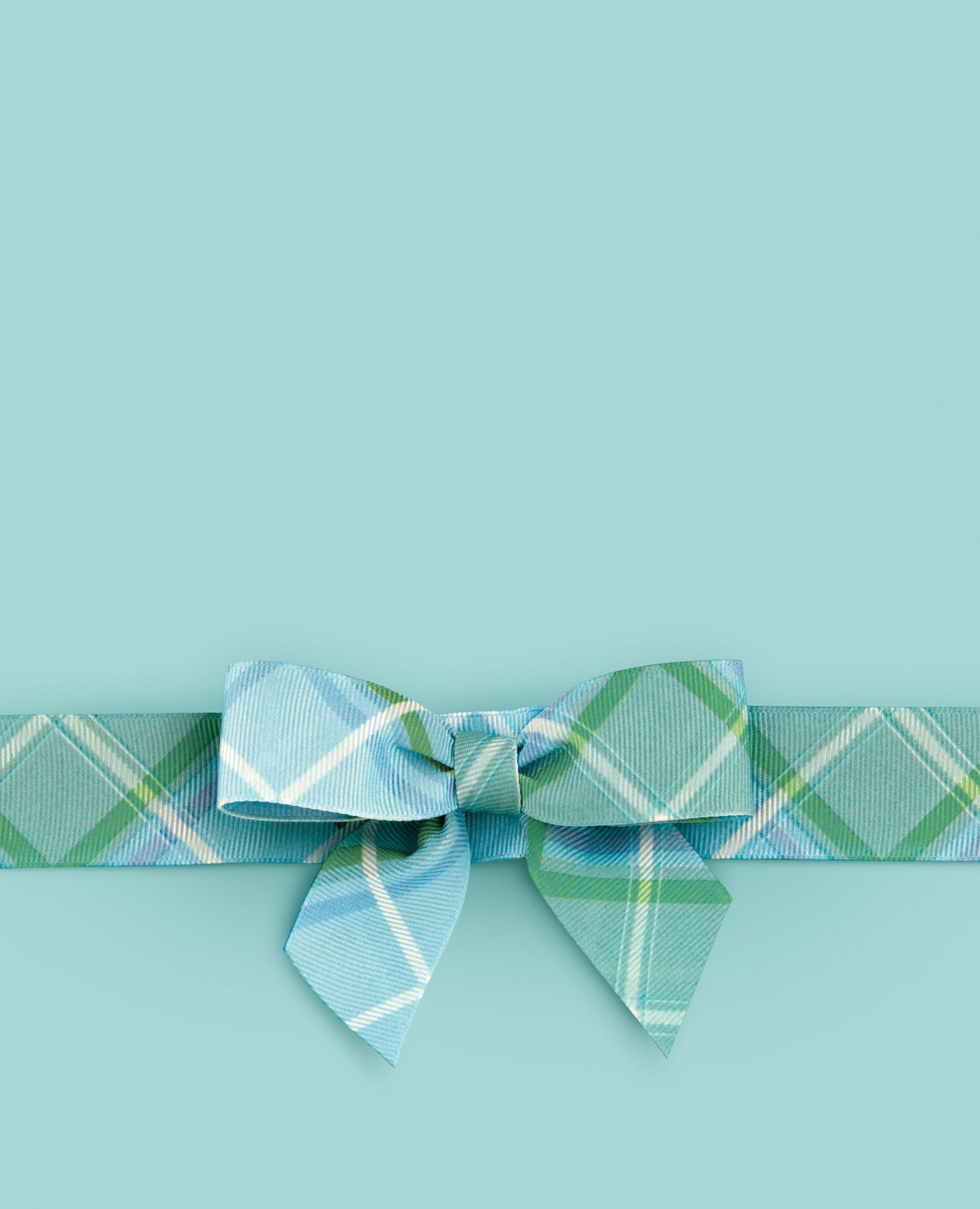 Liz Earle Tartan design slider for tablet